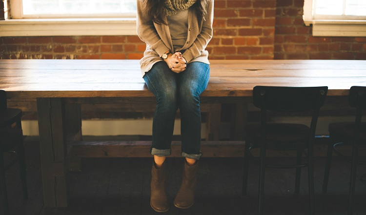 confident body language tips for interviews